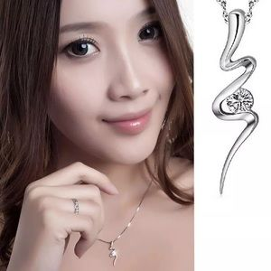 STUNNING CZ SILVER PENDANT NECKLACE